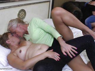 Порно фильмы сисястыми зрелыми