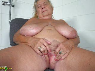 Девушки грудь с большими сиськами